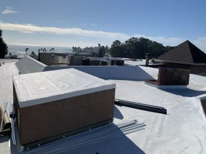 Redwood Roofing and Repair is the top roofing contractor for Commercial Flat Roofs
